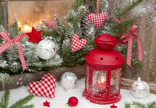 weihnachtsfenster in rot stockfotos und lizenzfreie bilder auf bild 35737687. Black Bedroom Furniture Sets. Home Design Ideas