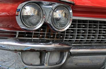 Papiers peints Rouge, noir, blanc Front view of red retro car