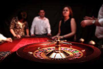 Obraz Ruletka - Kasyno - Hazard - Krupier - ludzie - fototapety do salonu