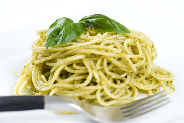 Spaghetti al pesto, Italian recipe
