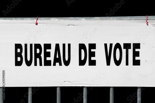 Panneau indicateur d 39 un bureau de vote stock photo and - Remuneration bureau de vote ...