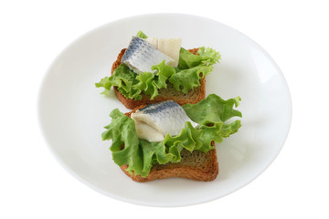 toasts with herring