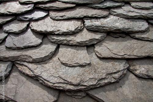 Tetto in pietra di una baita in montagna immagini e for Disegni di baite