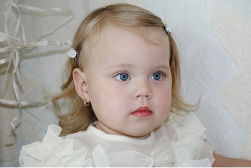 portrait of a girl 2 years
