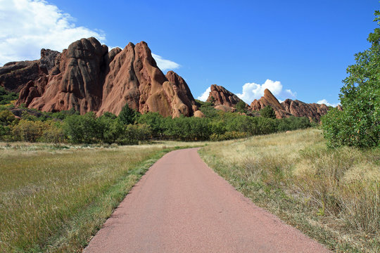 Inviting hiking trail in the American West
