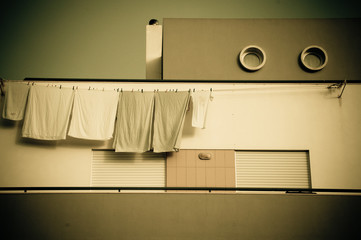 The Appartement and the Clothes-Line