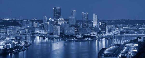 Fototapeta Pittsburgh skyline panorama.