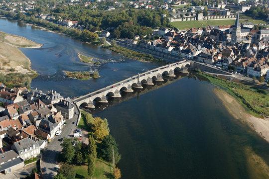 La Charité-sur-Loire vue du ciel  (58)