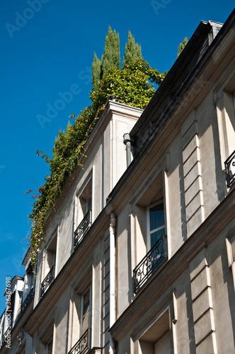 Terrasse En Haut D Un Immeuble Stock Photo And Royalty Free Images