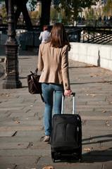 départ avec valise