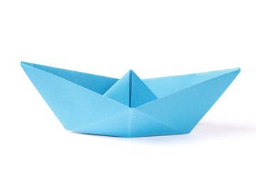 Blaues Papierschiff