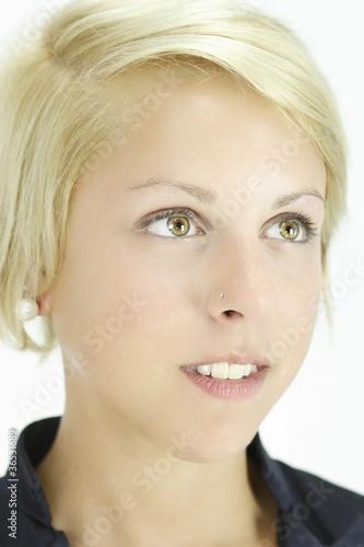 Blondes hübsches mädchen