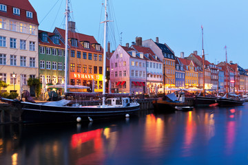 Foto op Canvas Scandinavië Evening scenery of Nyhavn in Copenhagen, Denmark