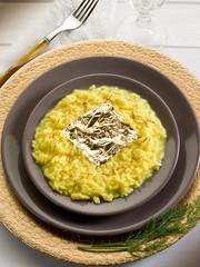 saffron risotto with gold leaf (original Gualtiero Marchesi's re