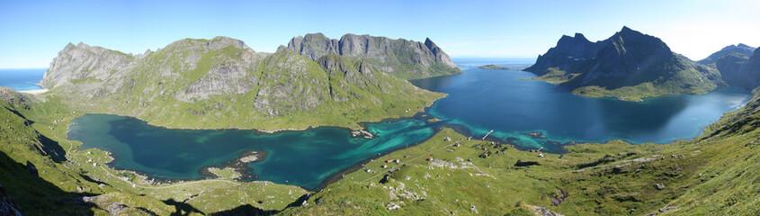Fjord des îles Lofoten