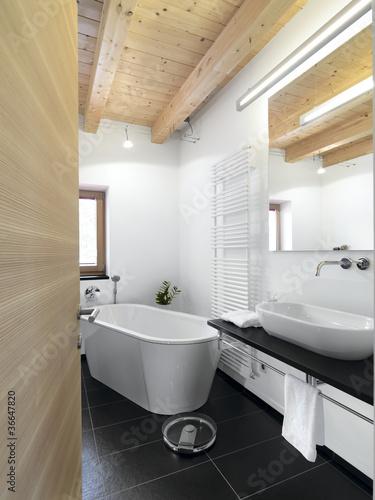 Bagno moderno con vasca da appoggio centrale immagini e - Bagno moderno con vasca ...