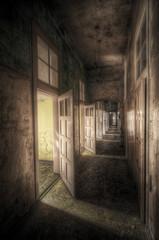 Fototapete - hallway with open doors