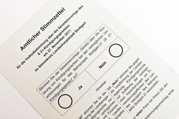 Stimmzettel zur Volksabstimmung über Stuttgart 21