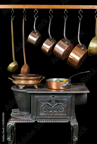 Casseroles et ustensiles de cuisine en cuivre photo for Ustensiles de cuisine en cuivre