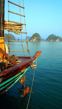 mouillage dans la baie d'halong