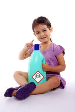 accident domestique enfant danger produit toxique