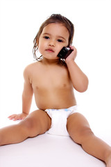 petite fille au téléphone