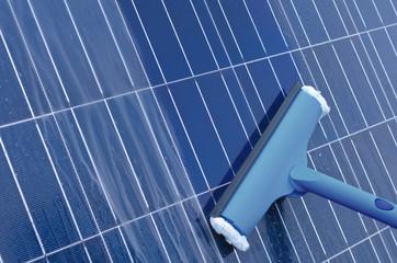 Reinigung von Solarmodulen