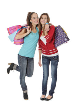 Deux soeurs font du shopping