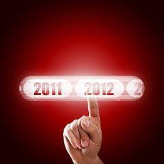 Finger wählt per Touchscreen 2012 aus