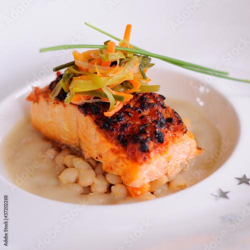 Cuisine gastronomique pav de saumon julienne de for Site de cuisine gastronomique