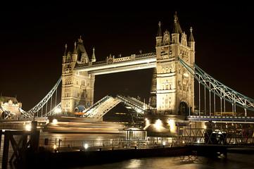 London Bridge night open