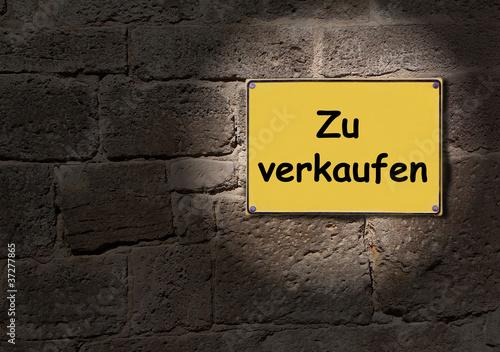 gelbes schild zu verkaufen stockfotos und lizenzfreie bilder auf bild 37277865. Black Bedroom Furniture Sets. Home Design Ideas