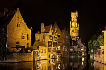 Fototapete - Bruges canal at night, Belgium