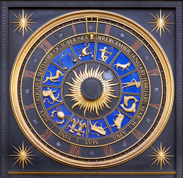 Astrological zodiac clock