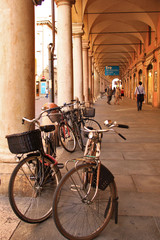 Modena, portici via Emilia