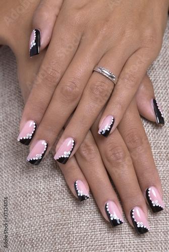 unghie decorate immagini e fotografie royalty free su file 37324876. Black Bedroom Furniture Sets. Home Design Ideas