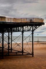 Fototapete - Colwyn Bay derelict Pier
