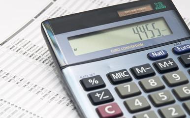 Calculadora con papel de numeros