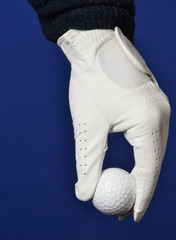 Foto op Plexiglas Golf Dropping the Golf Ball