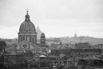 Vista de Roma desde las alturas.Fotografia en blanco&negro
