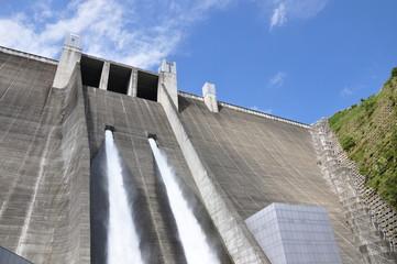 Fotorolgordijn Dam 宮ヶ瀬ダム 観光放流