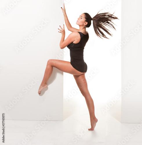 порно малоденьких балерин