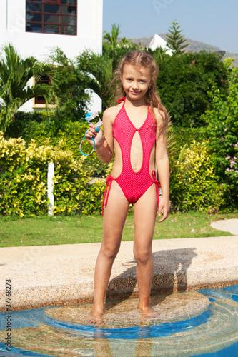 Голые девчонка в купальнике картинки наташа