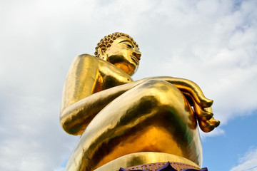 big golden buddha in chaingrai thailand