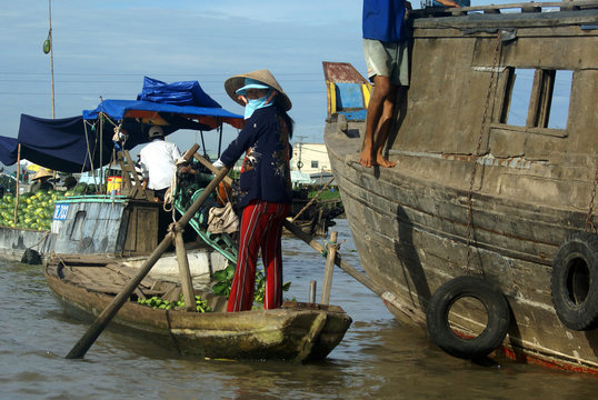 Floating market in the Mekong Delta near Can Tho in Vietnam