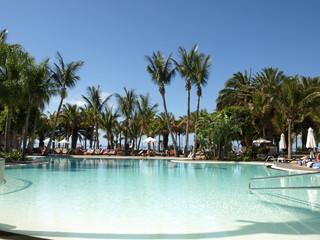 Pool des Hotel La Geria auf Lanzarote
