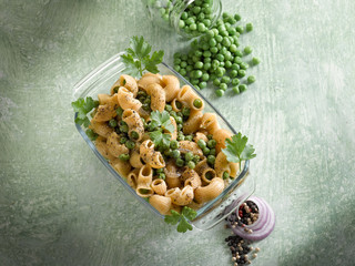 pasta with peas and pepper