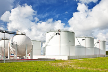 Oil refinery tanks
