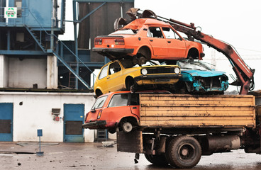old cars ready for recycling