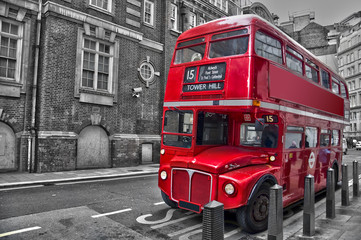 Spoed Fotobehang Rood, zwart, wit Bus rouge typique - Londres (UK)